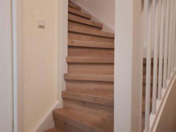 Nieuwe trap of toch renovatie laten uitvoeren woonkamer for Nieuwe trap laten plaatsen
